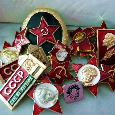 53.Aluminium lapel badges
